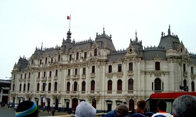 Turibus em Lima e de volta à São Paulo
