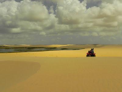 Lençóis Maranhenses: quadriciclo até Caburé