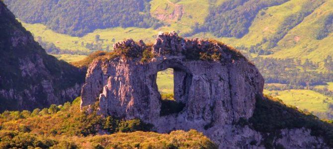 Parque Nacional São Joaquim: Pedra Furada