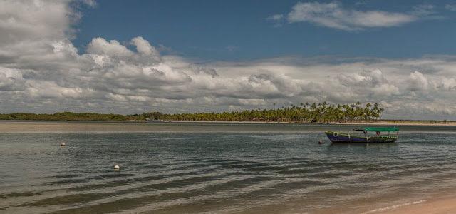 Caminhada da Praia de Moreré até a Praia da Bainema em Boipeba
