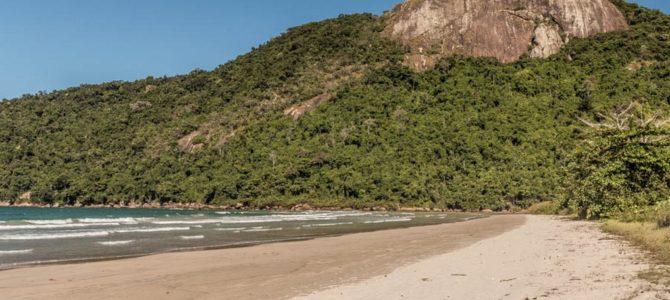 Parnaioca a Vila do Abraão a pé em Ilha Grande