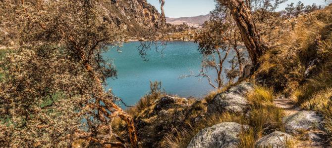 Laguna Uroscocha na Cordilheira Branca, Peru