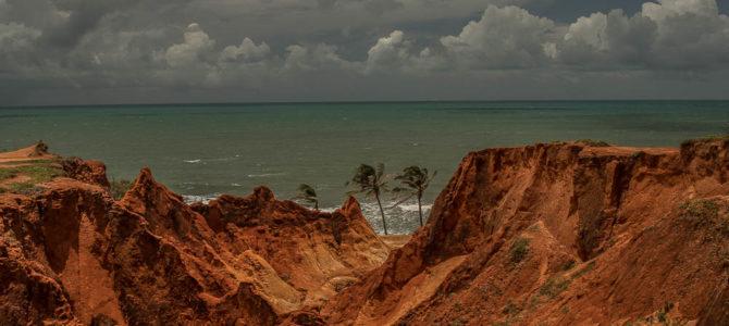 Morro Branco no Litoral Leste do Ceará
