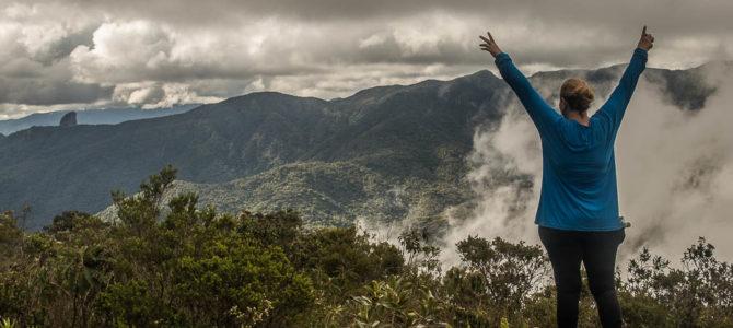 Serra Fina: descendo o Pico dos Três Estados