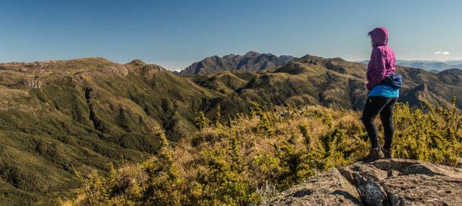 Pico da Pedra Preta na Travessia da Serra Negra